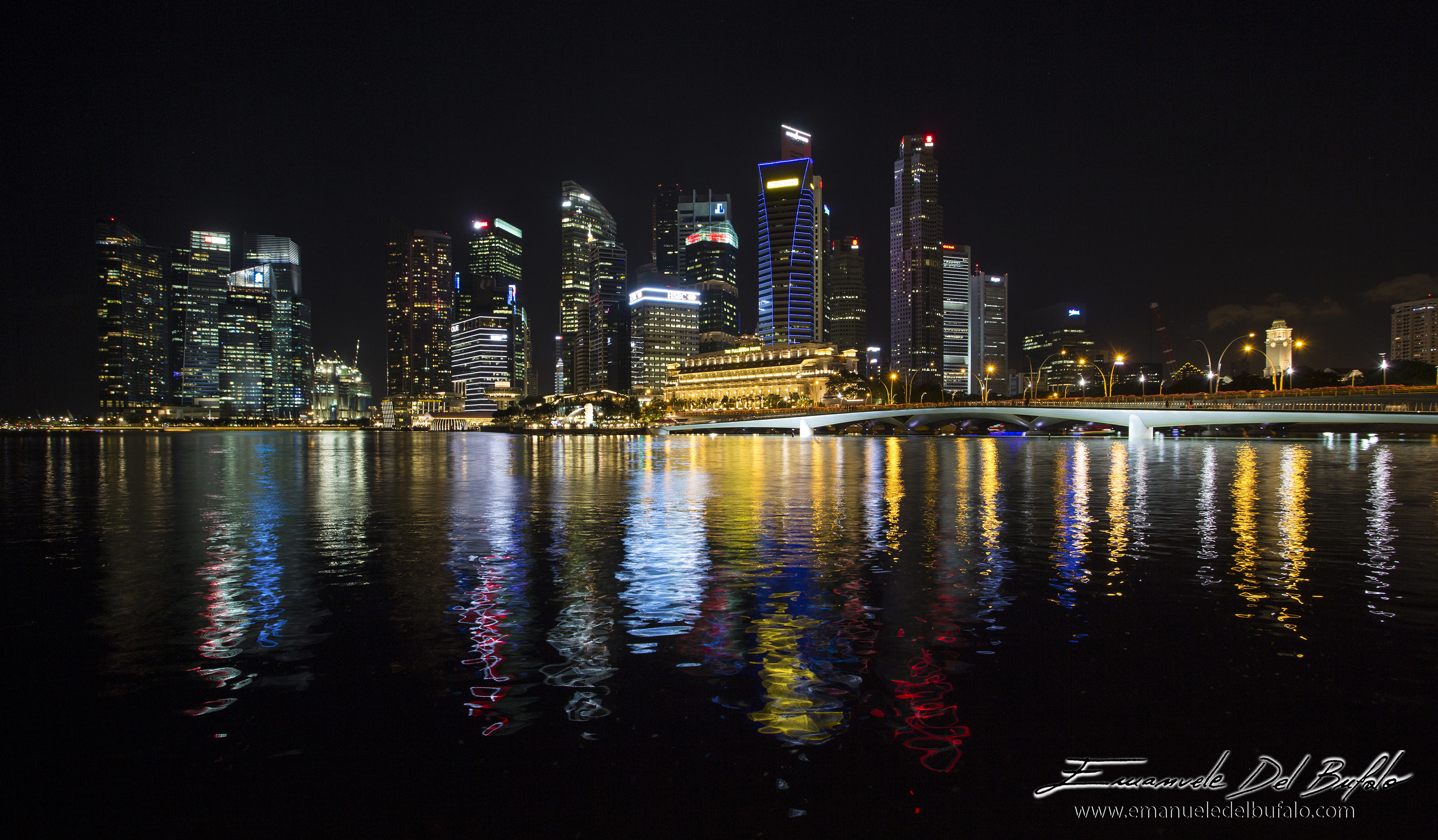 www.emanueledelbufalo.com #singapore #night #cityscape #skiline #light
