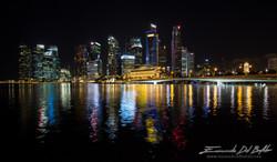 www.emanueledelbufalo.com #singapore #night #cityscape #skiline #light