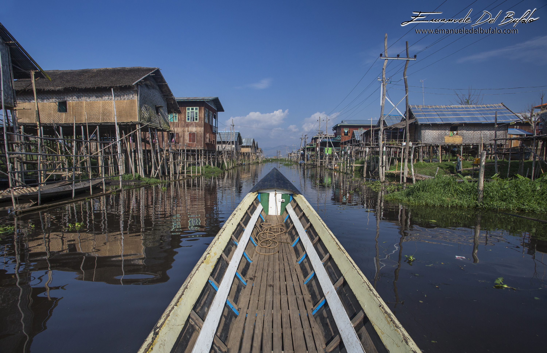 www.emanueledelbufalo.com #myanmar #burma #asia #inle_lake #long_boat #flooting_village
