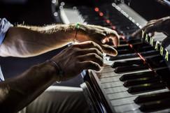 piano-keyboard-portrait-photography-studio.jpg