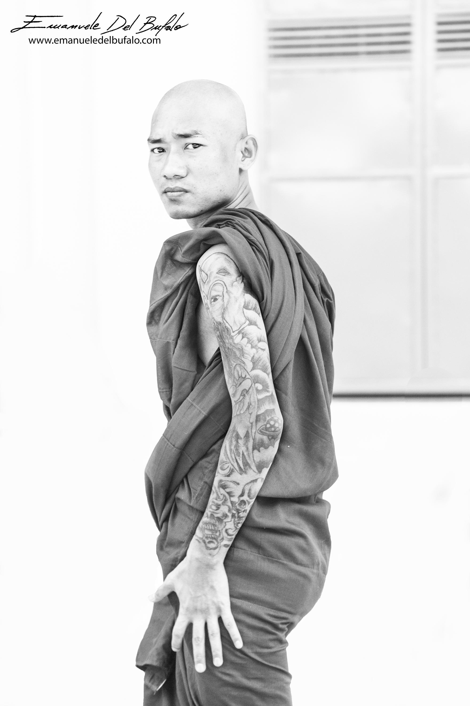www.emanueledelbufalo.com #myanmar #burma #monk #tatoo #street #travel