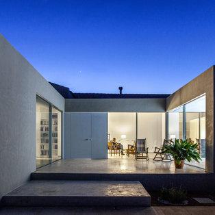 LA RAMBLA House