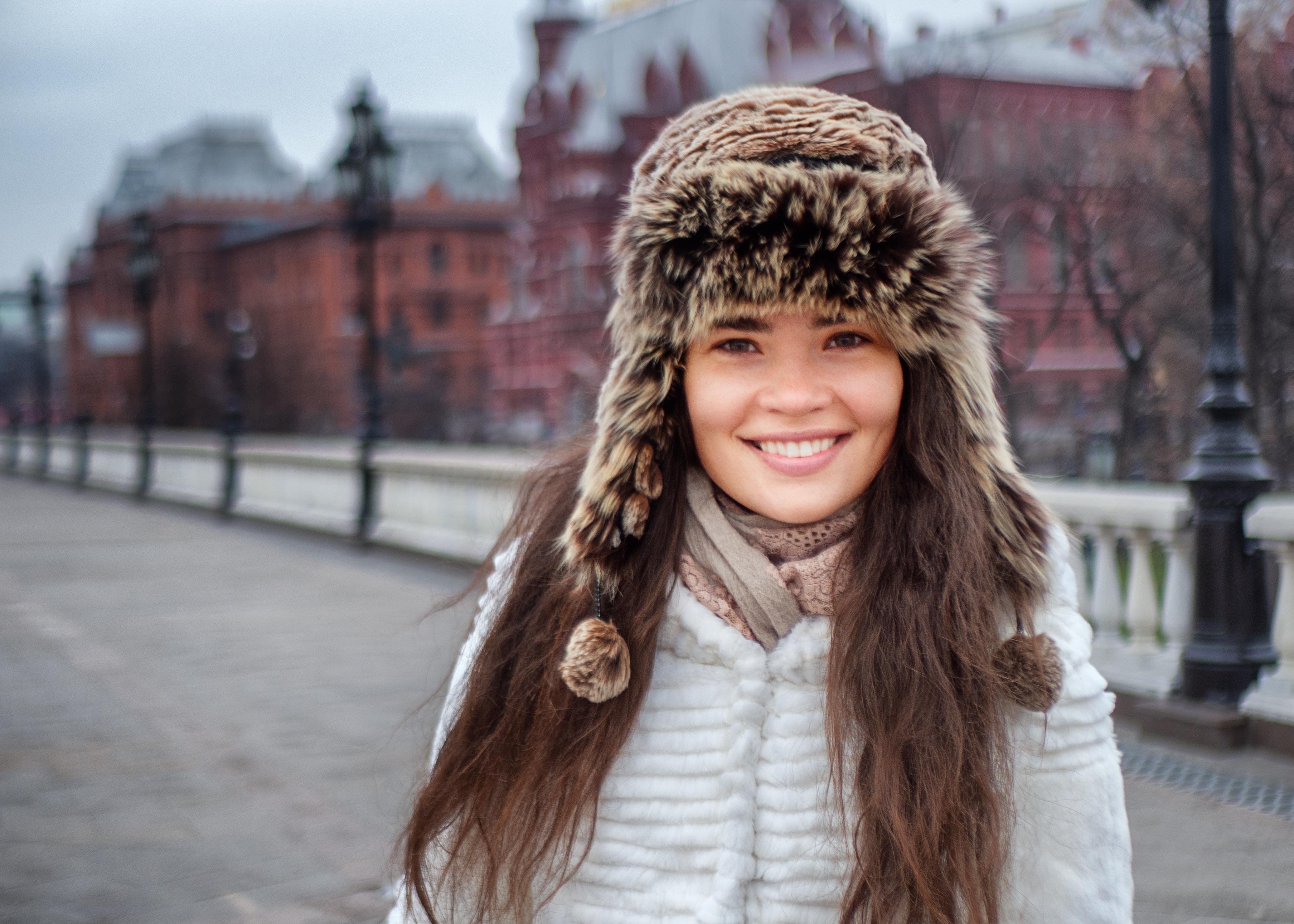 Наташа Попова