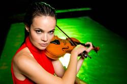 Наташа Попова - Скрипачка