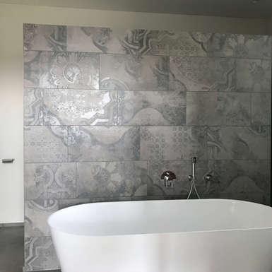 badezimmer-freistehende-badewanne-oberdorf-gb-architektur