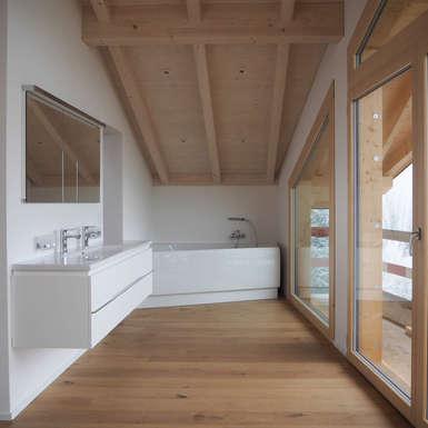 offenes-badezimmer-wohnhaus-aarau-gb-architektur