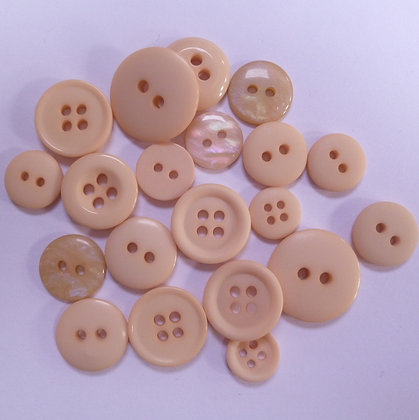 Dyed Pick & Mix Buttons :: Fawn