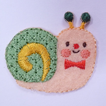 Embroidered Motif :: Bowtie Snail Green