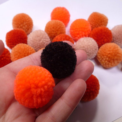 Box of Pom Poms :: Yarn :: Halloween