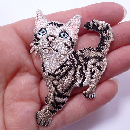 Embroidered Motif :: Shaped Cat
