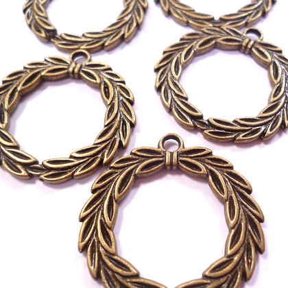 Sew On Charms :: Wreaths pack of 5