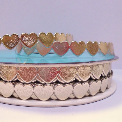 Cut Out Ribbon :: Flat Hearts :: Gold