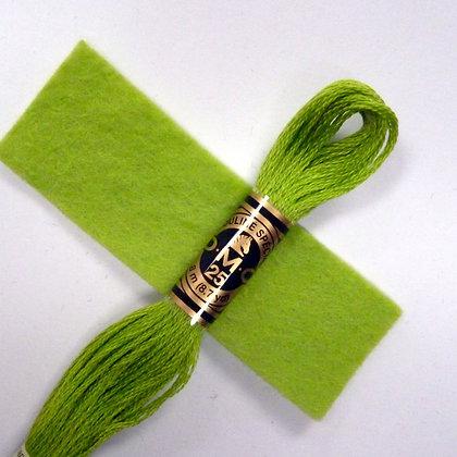 DMC Embroidery Thread :: Leaf (907)