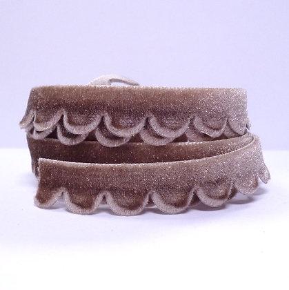 Velvet Scallop Ribbon :: Taupe