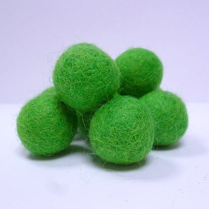 Loose Felt Balls 100% Wool :: Grass