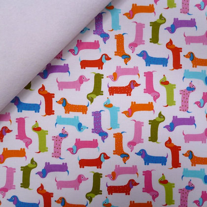 Fabric Felt :: Zoologie :: Mini Sausage Dogs on White