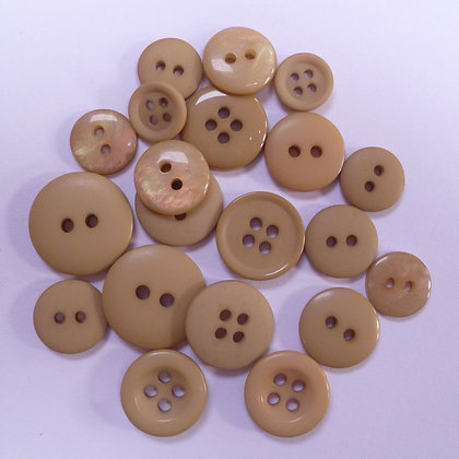 Dyed Pick & Mix Buttons :: Biscuit