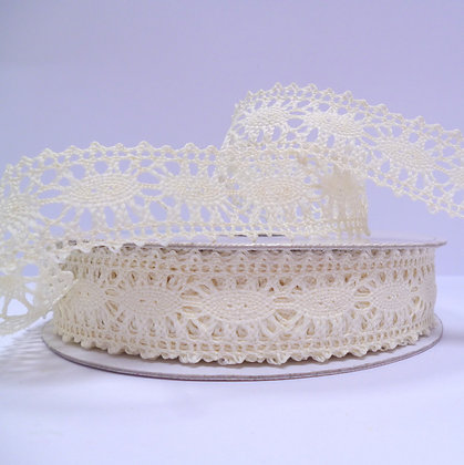 Crochet Lace :: Cream