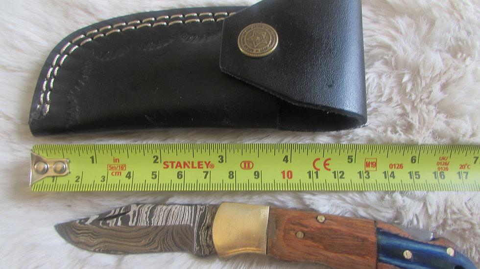 Damascus steel pocket knife (PK19)