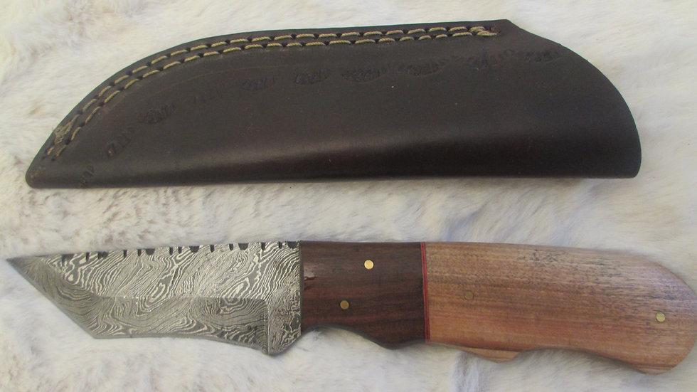 Damascus steel medium size knife (DK1)