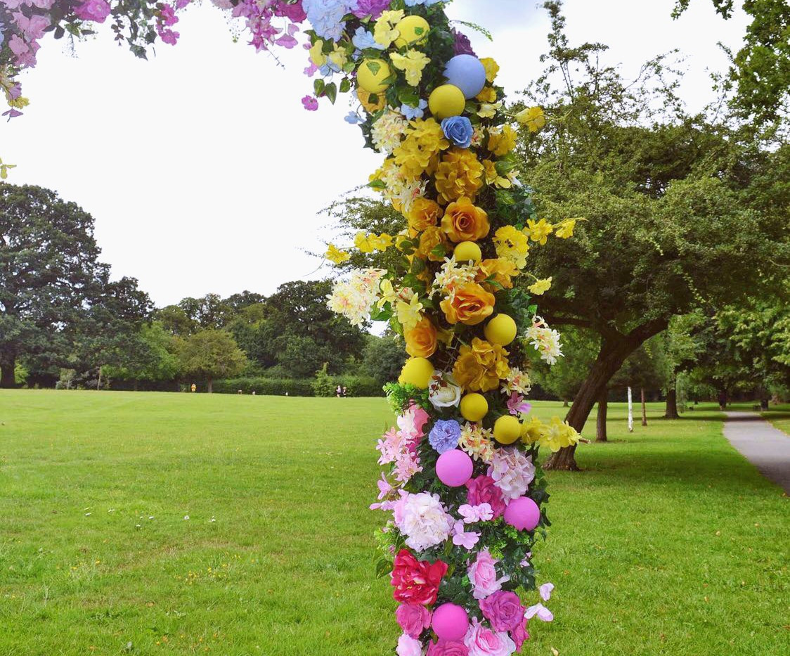 floral arch to hire
