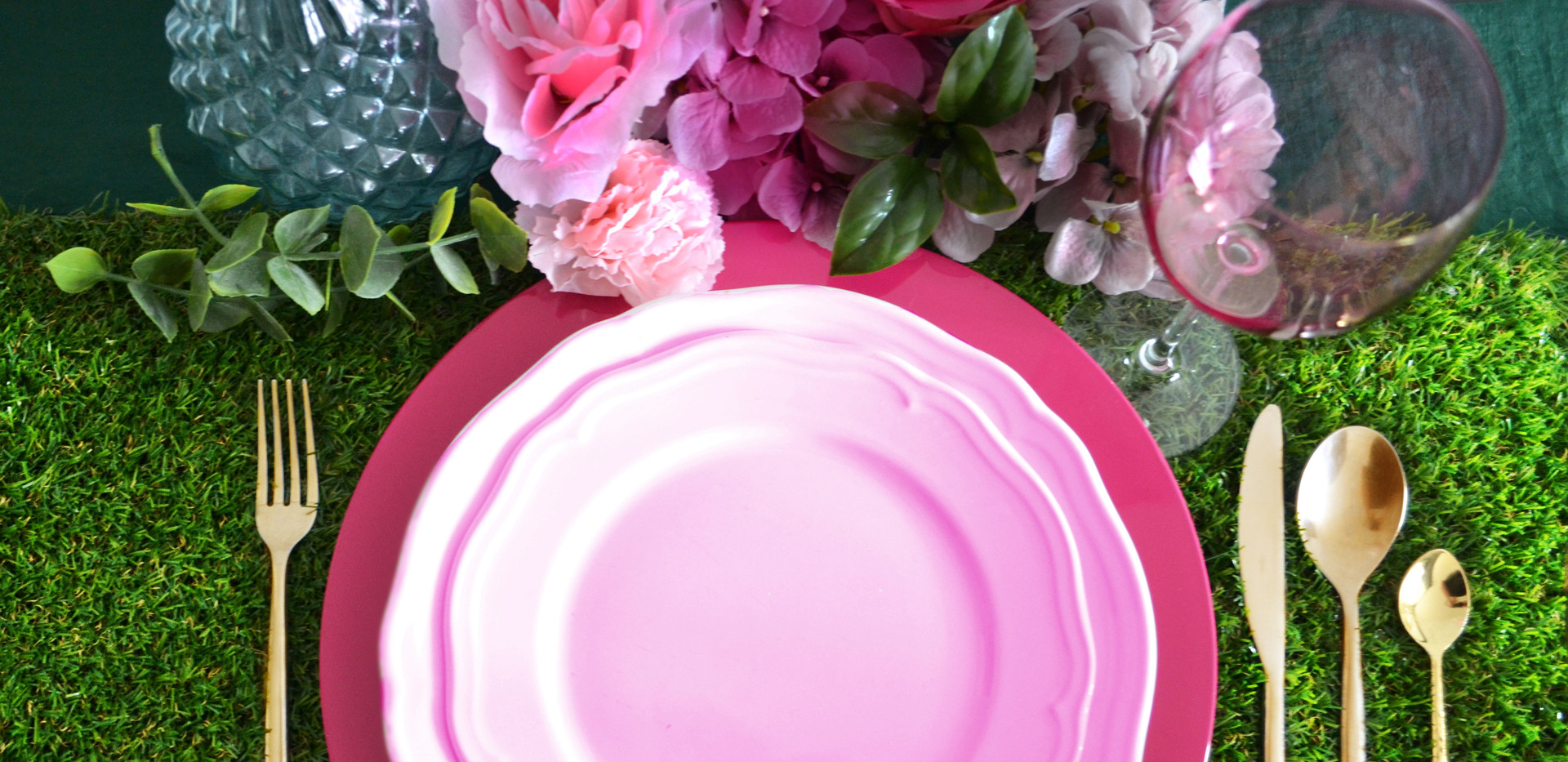 pinkchargerplate