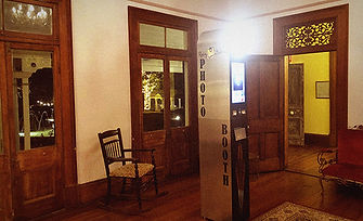Open Photo Booth in Sitting Room Gabbinb
