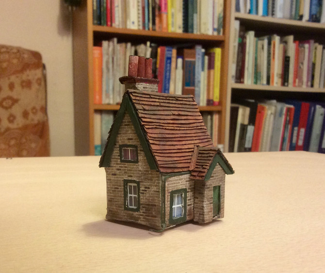 Crossing Keepers cottage is now finished, scratch built by Anna