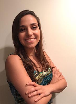 Camila Custódio