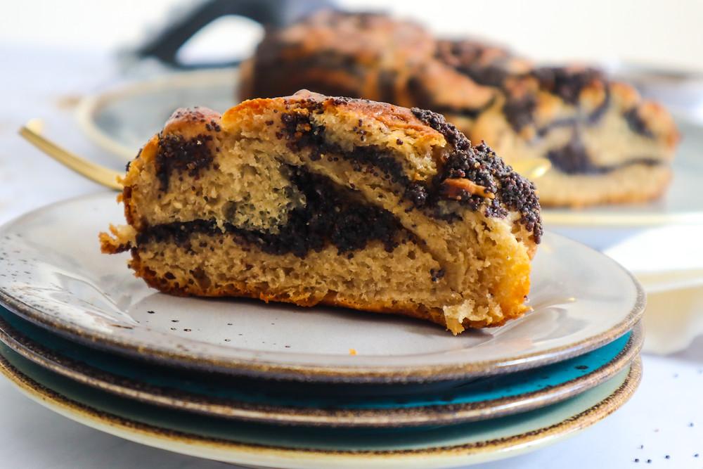 קראנץ׳ שמרים פרג עוגת שמרים פרג קליעת בורג עוגת שמרים