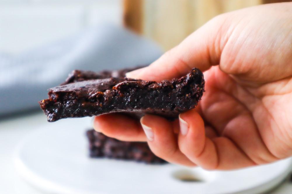 בראוניז פאדג׳ שוקולד שקדים ללא ביצים טבעוני טעים