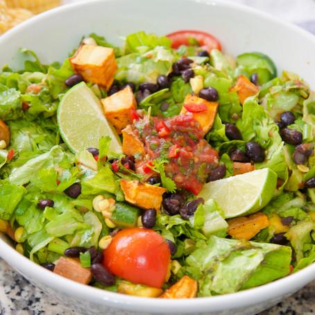 סלט ירקות ברוטב סלסה מקסיקנית