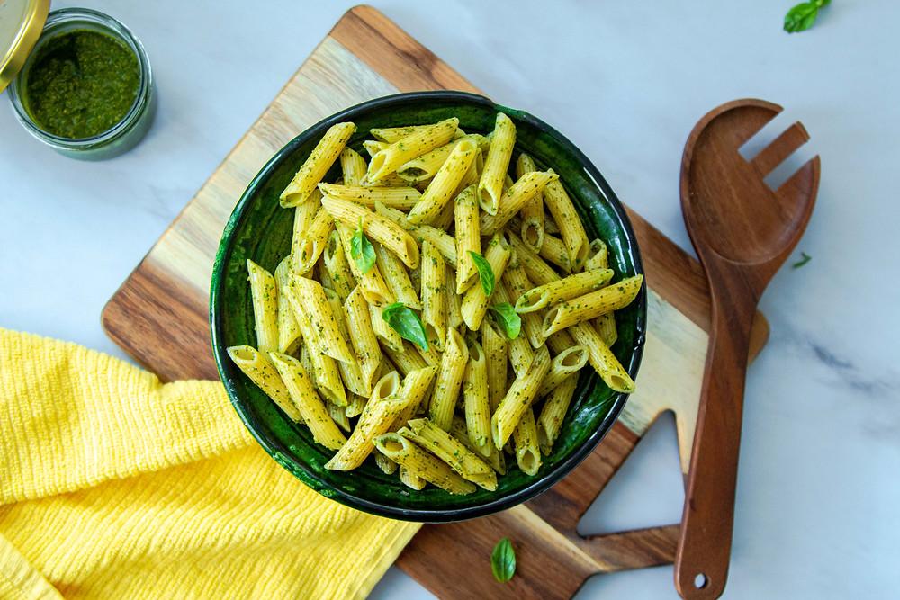 פסטה פסטו ממרח פסטו טבעוני פסטו בזיליקום וצנוברים איך מכינים פסטה פסטו