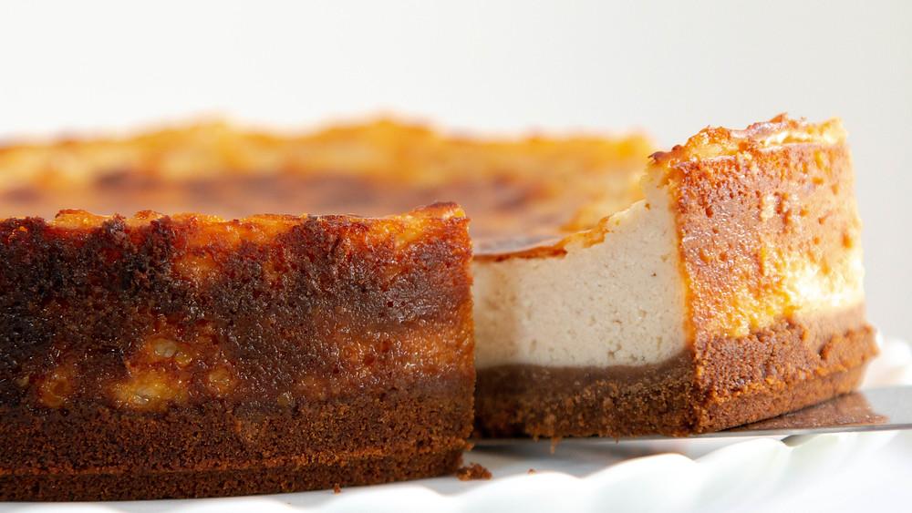 עוגת גבינה טבעונית אפויה עוגת ״גבינה״ עוגת גבינה ללא אגוזים בלי קשיו
