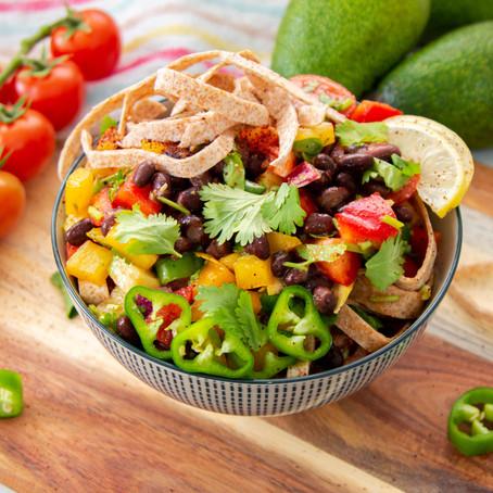סלט ירקות וטורטייה מקסיקני
