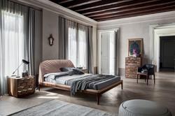 Michelangelo Bed-Ton