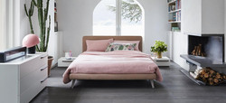 dream on bed-bon