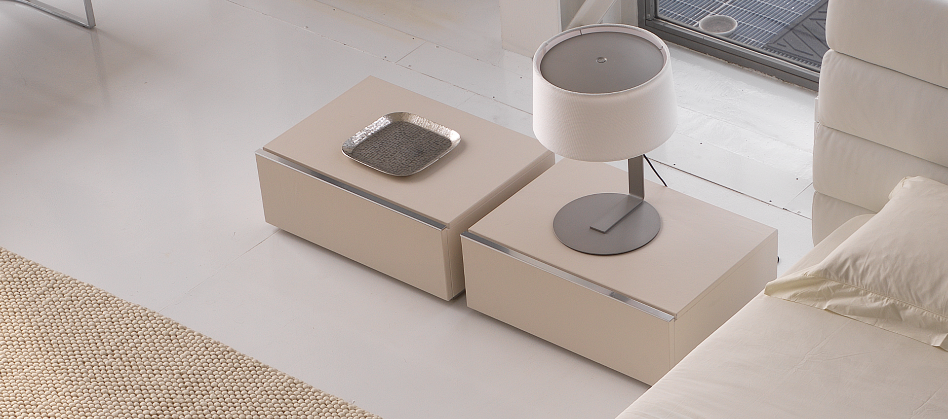 Square bedside table-Cie