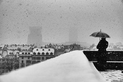 Snowy street photography in Basel, Switzerland - A story about a cold day in January // Verschneite street Fotografie in Basel, Schweiz - Die Geschichte eines kalten Tages im Januar