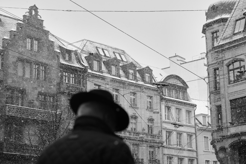 """Bastian Peter - Fine art street photography Switzerland - from the series """"Snowfall over Basel"""""""