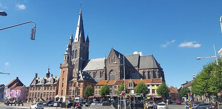 Kerk Eeklo Ramblas.jpg
