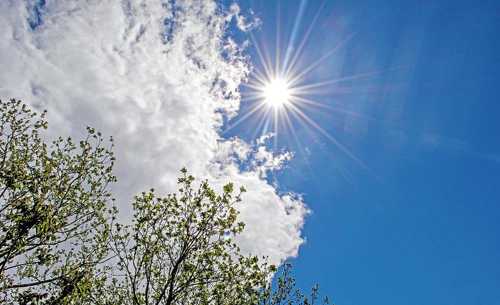 solar-2288507_1920sky.jpg