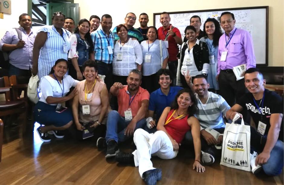 Maestros y maestras participantes de la Escuela de verano Parche Maestro 2019