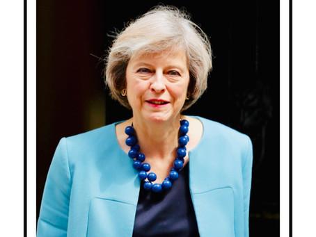Theresa May e i suoi outfit più belli con i gioielli Ballsmania