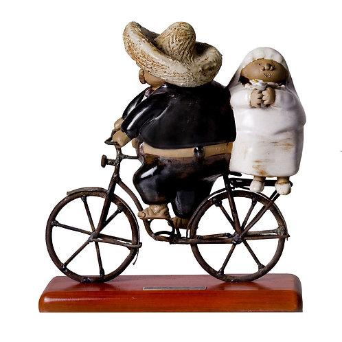 Novios en bici