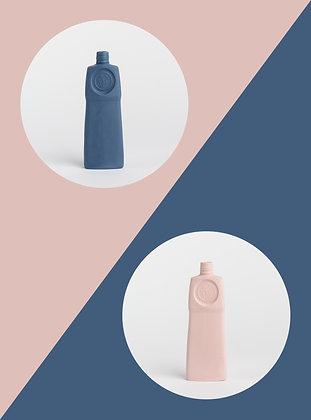Foekje Fleur | porcelain bottle vase #18 delft of powder