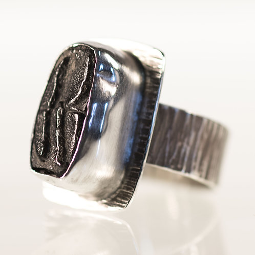 Burrfish Ring Hammered Lines Pattern
