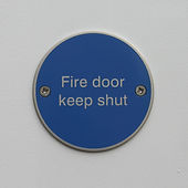 Fire Door Keep Shut Disc