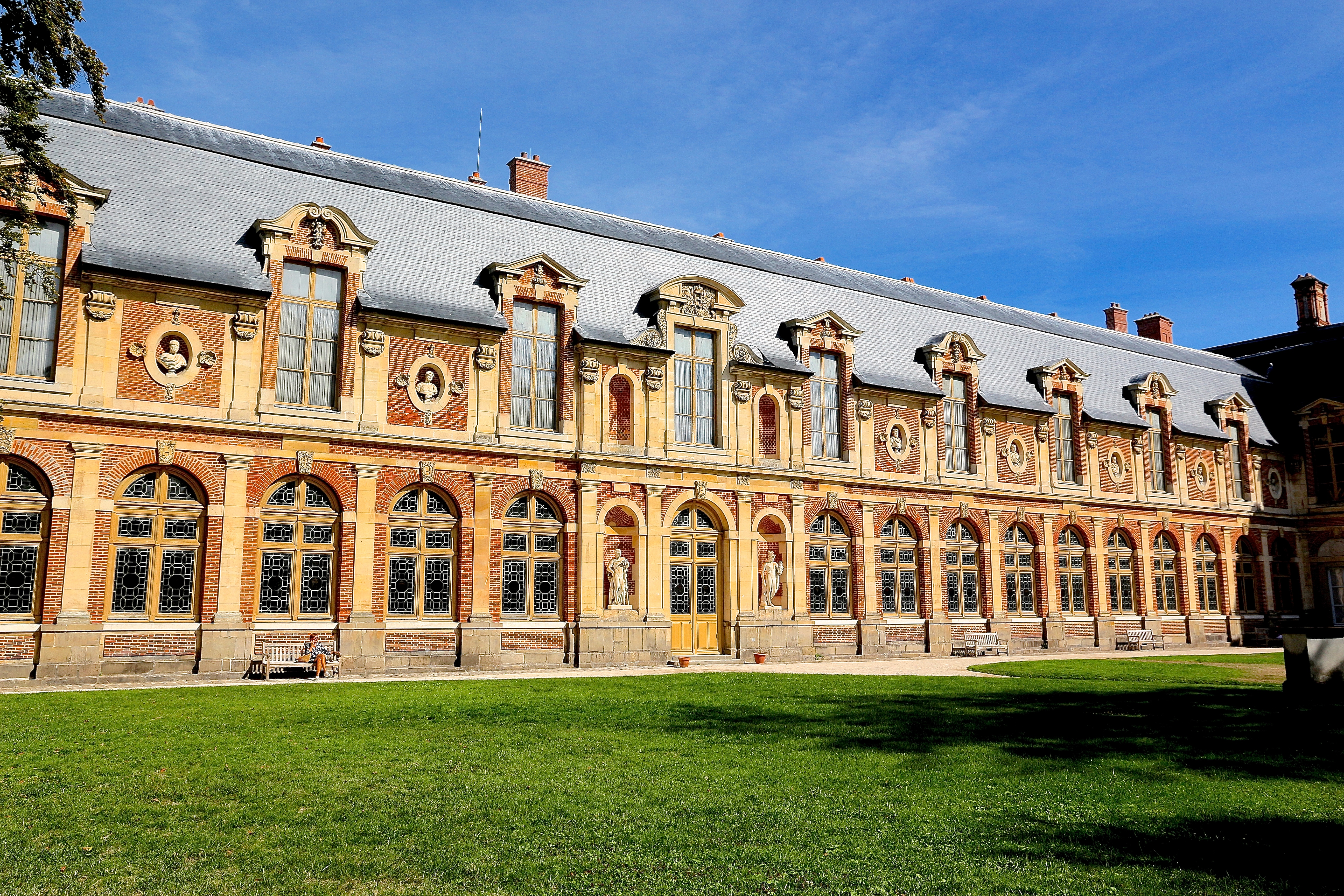 l'aile Louis XV