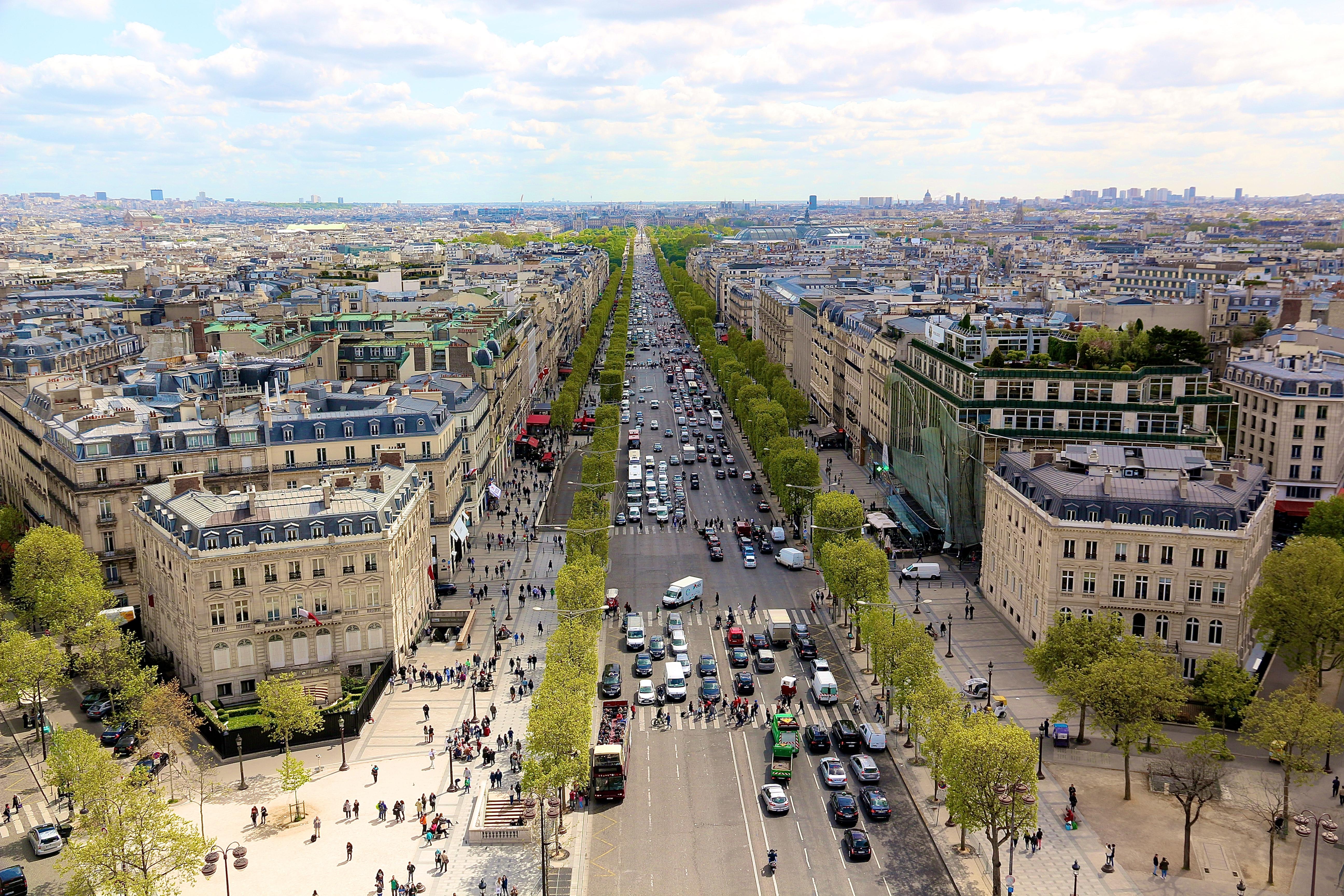 l'Avenue des Champs-Élysées